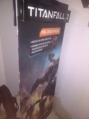 Standee - Titanfall 2 side