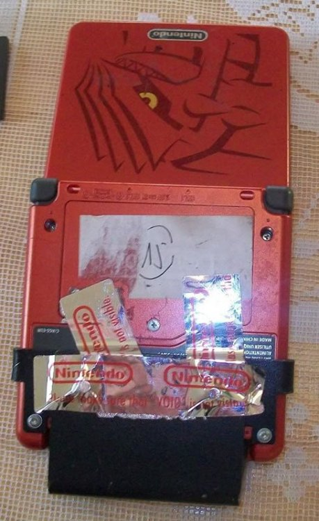 10ANNIV-pokemon-distribution-hardware-3.thumb.jpg.2afc3be3de33138693046b209658531c.jpg